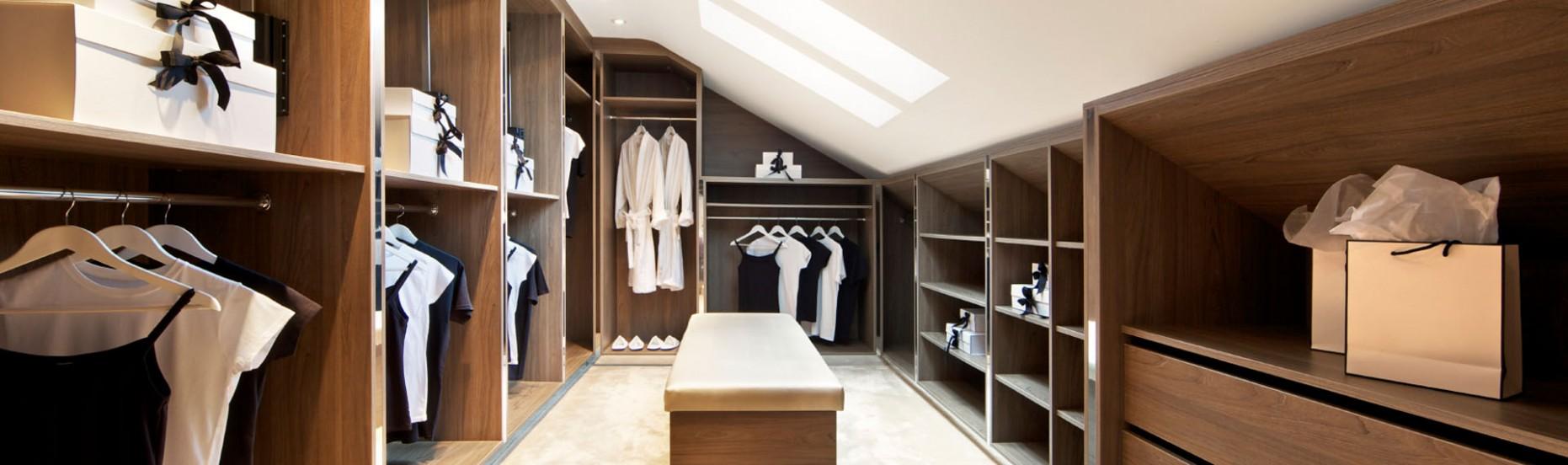 Andalo - Skříně na míru a vestavěné skříně.