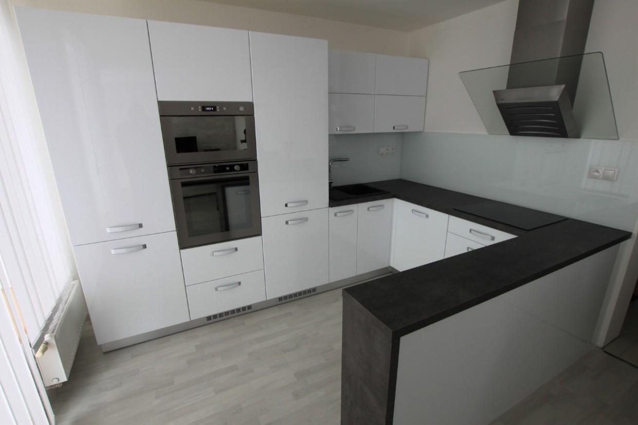 Výroba, montáž kuchyně včetně spotřebičů Uherský Brod, Hradiště