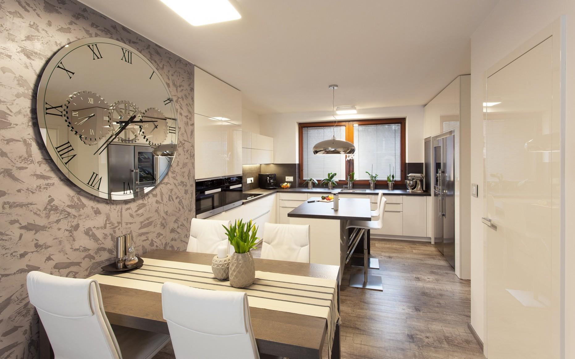 Dům s nábytkem a dveřmi HANÁK, přízemní byt | HANÁK - Interiér