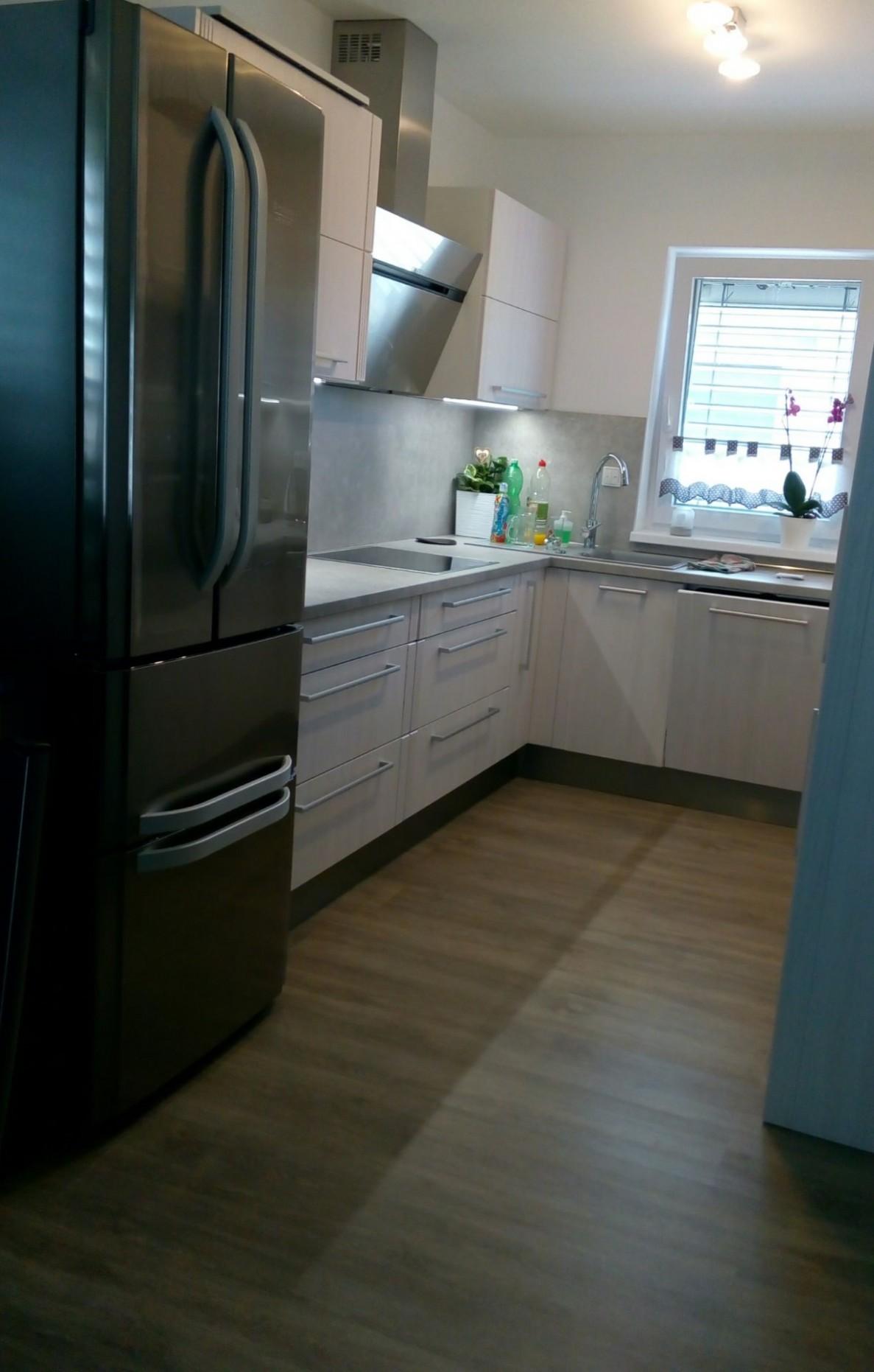 Výroba kuchyňských linek, vestavné spotřebiče, podlahy, interiérové ...