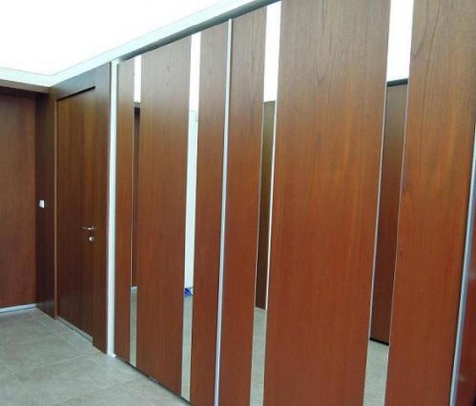 65 Svátecní šaty Galerie z Skříně Posuvné Dvere
