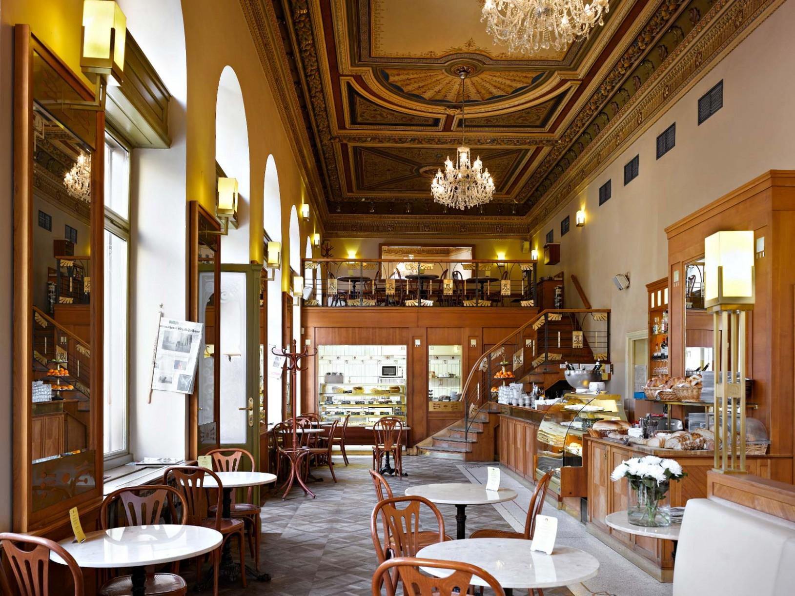 Café Savoy in Prague - Bed