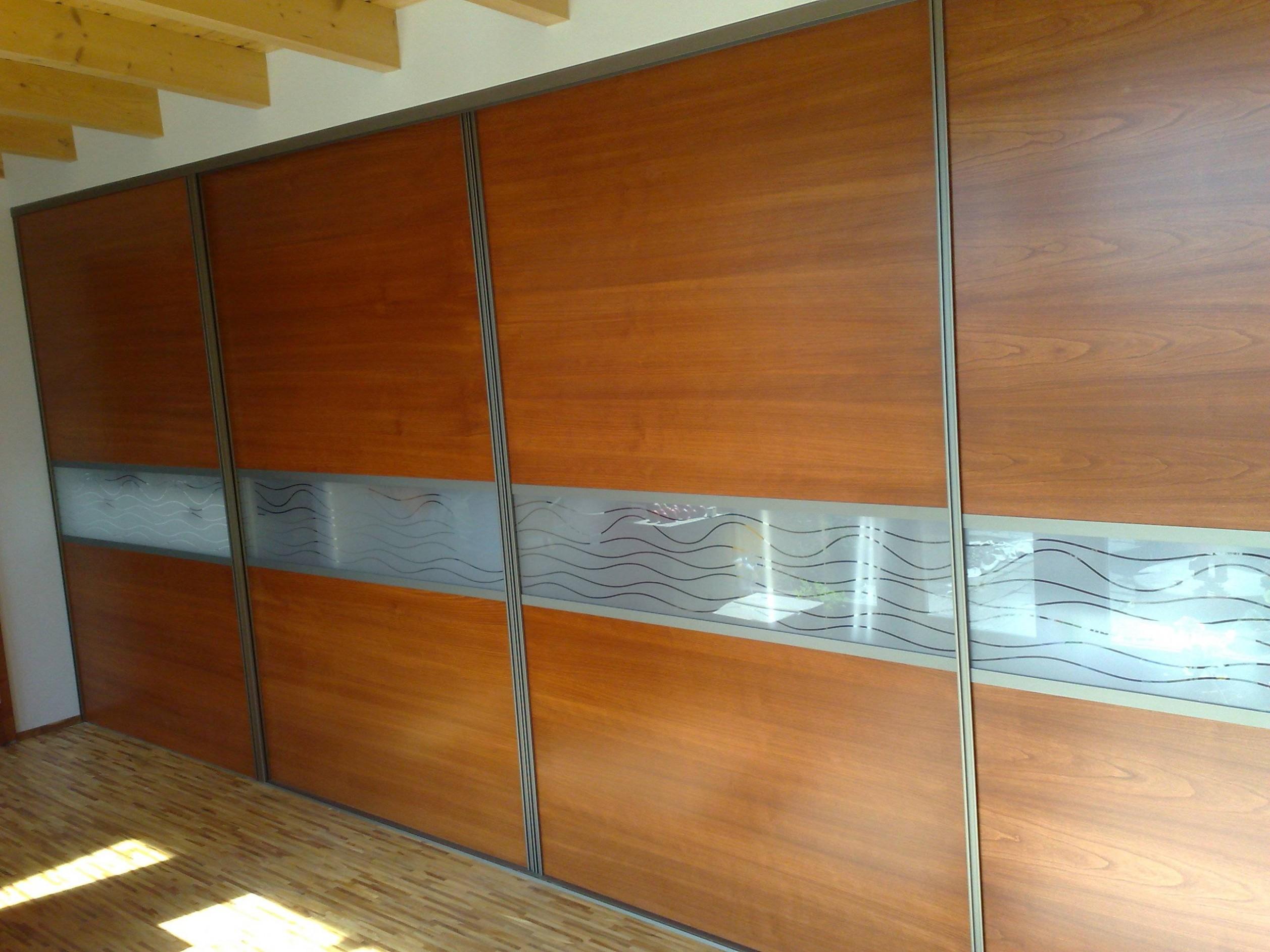 Nábytek Mrázek   Sériová a zakázková výroba nábytku - Zlín