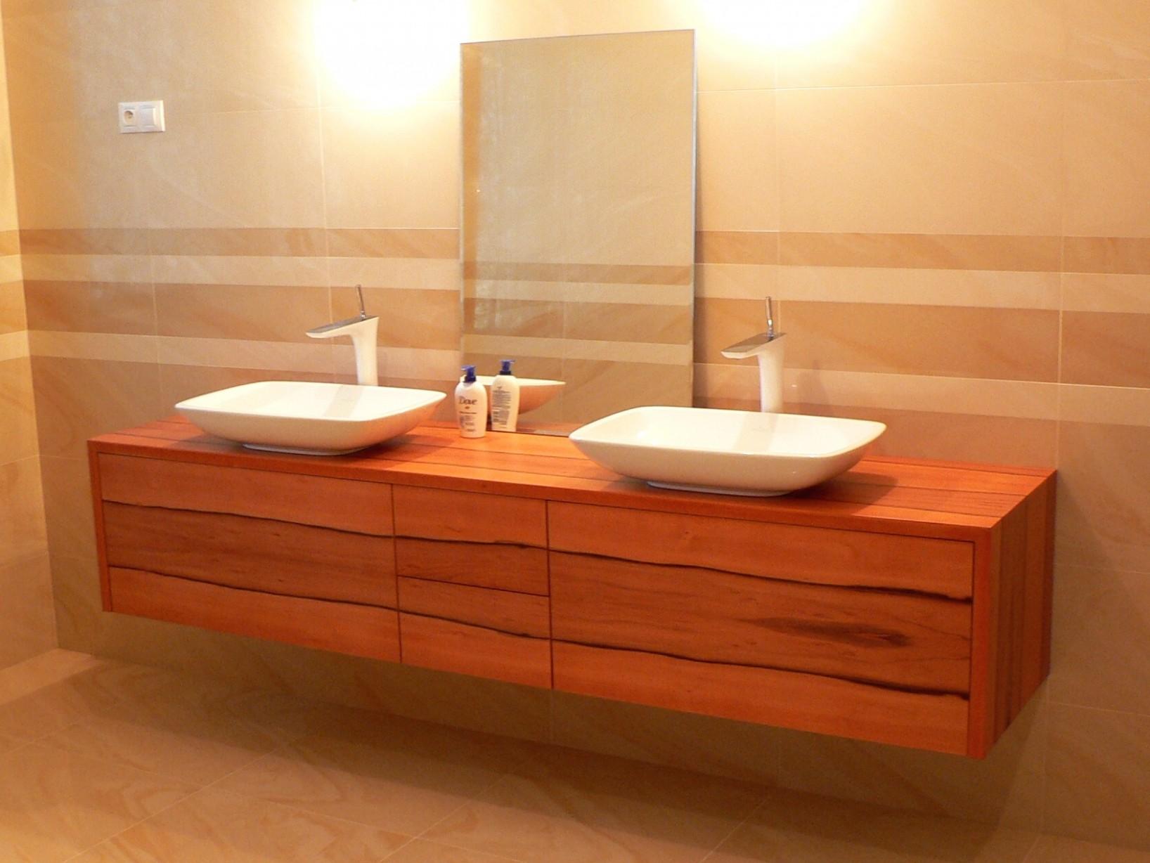 Relaxacni zidle: Koupelnovy nabytek brno restaurants