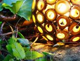 Ručně vyráběná dřevěná lampa