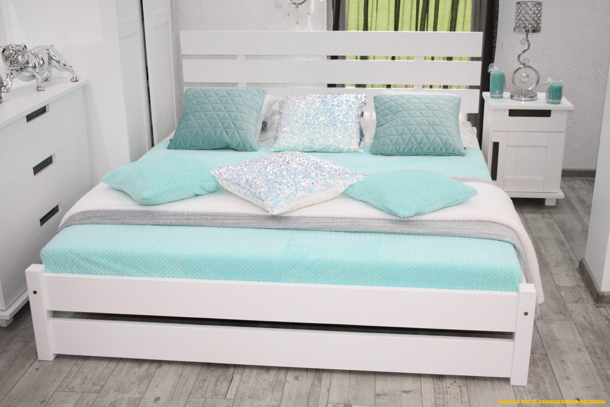 Manželská postel z masivu Romain 180x200cm