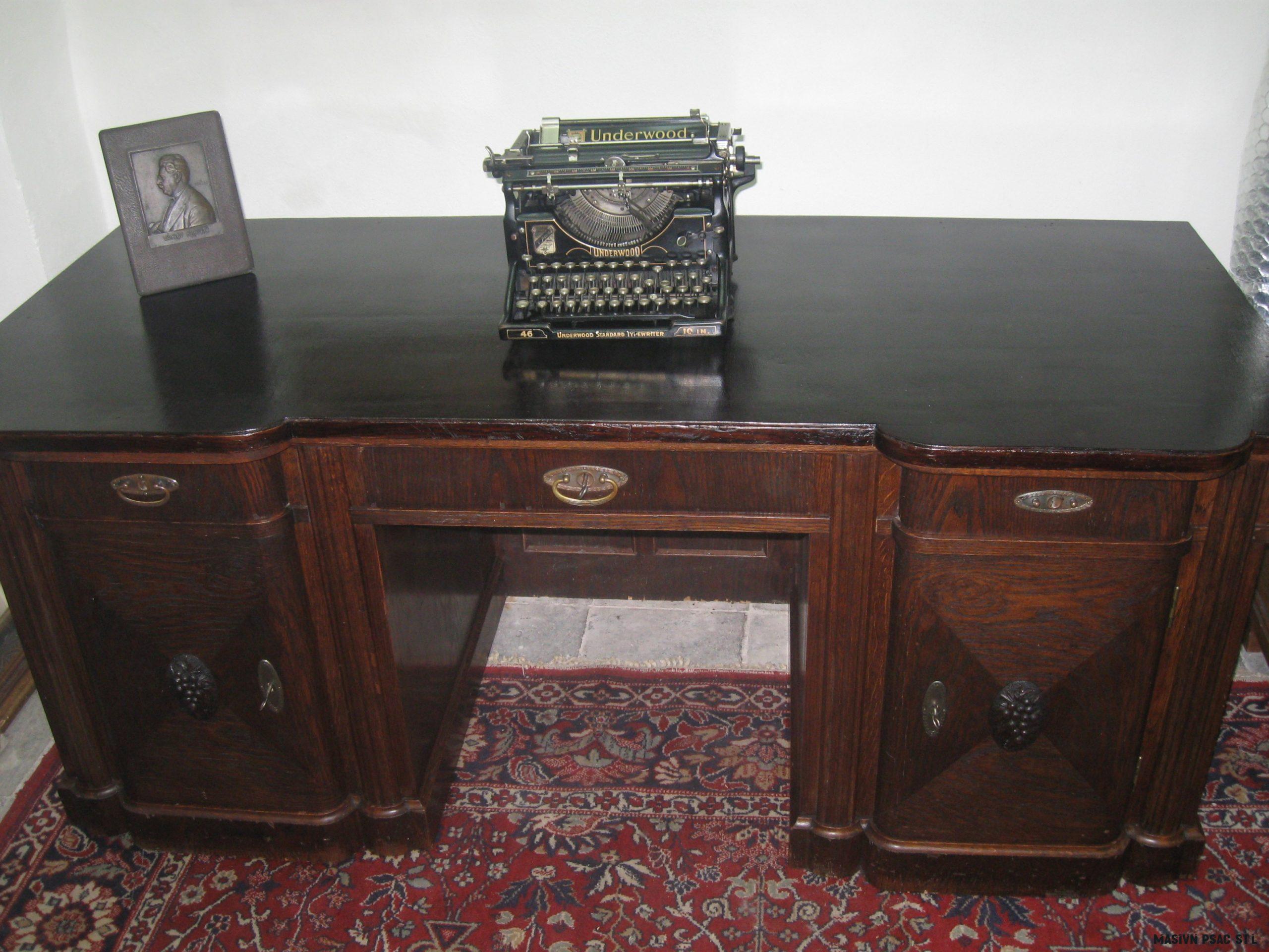 Velký ředitelský psací stůl E.Gerstel cca 18