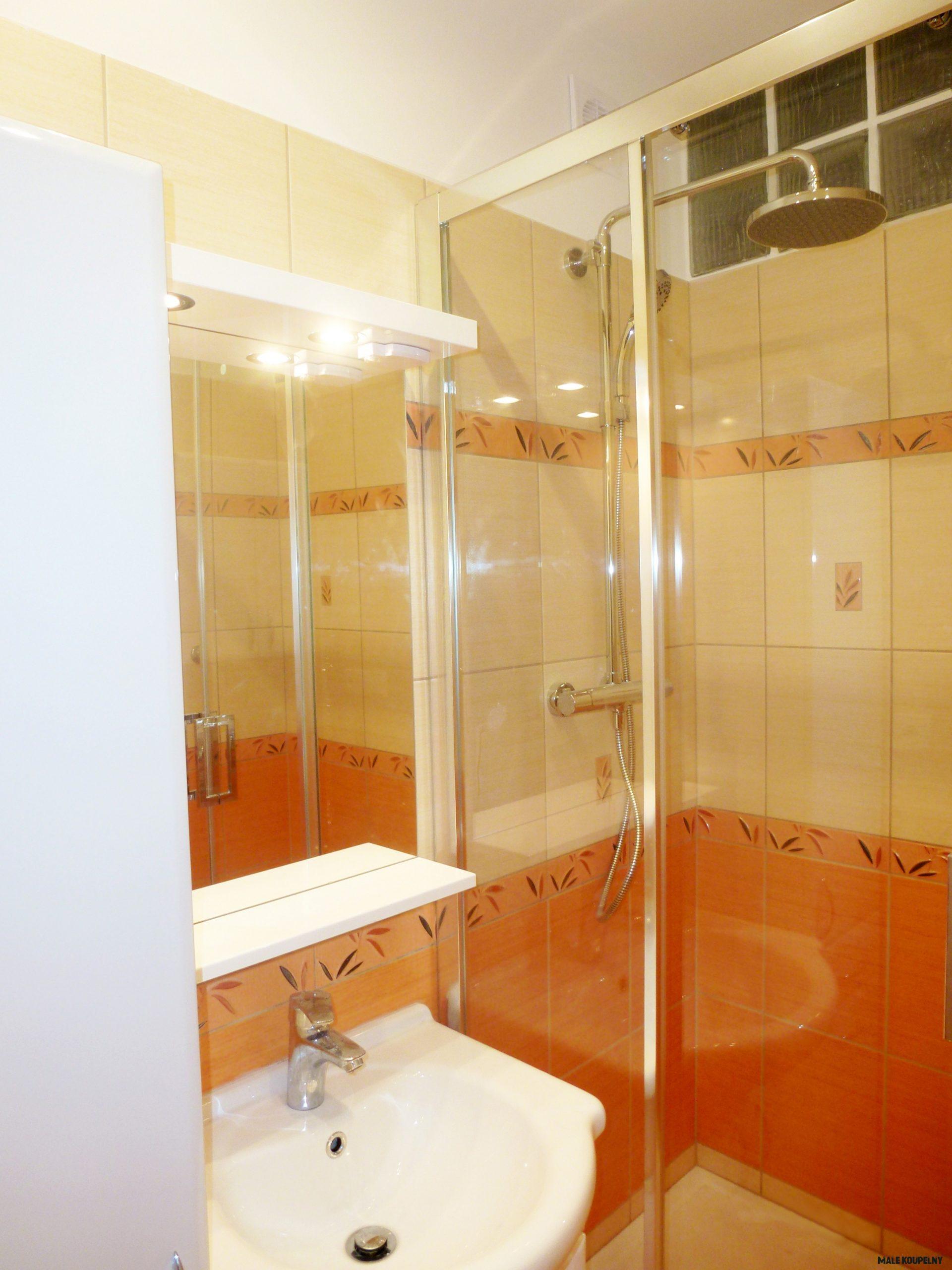 A2000 Rekonstrukce malé panelákové koupelny (200,200m200), Svitavy  PEM