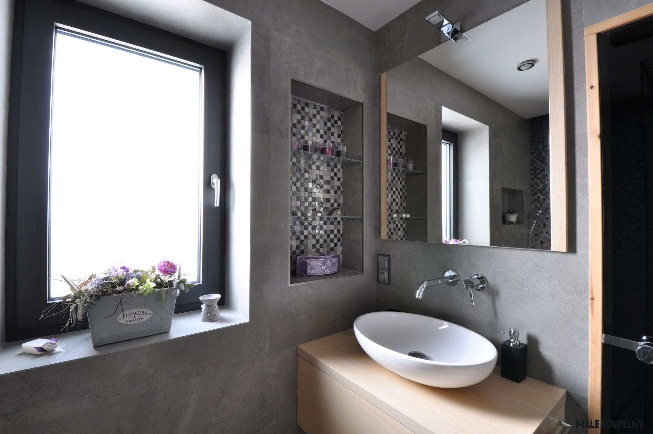 Velkoformátové obklady a dlažby: Velký zázrak do malé koupelny