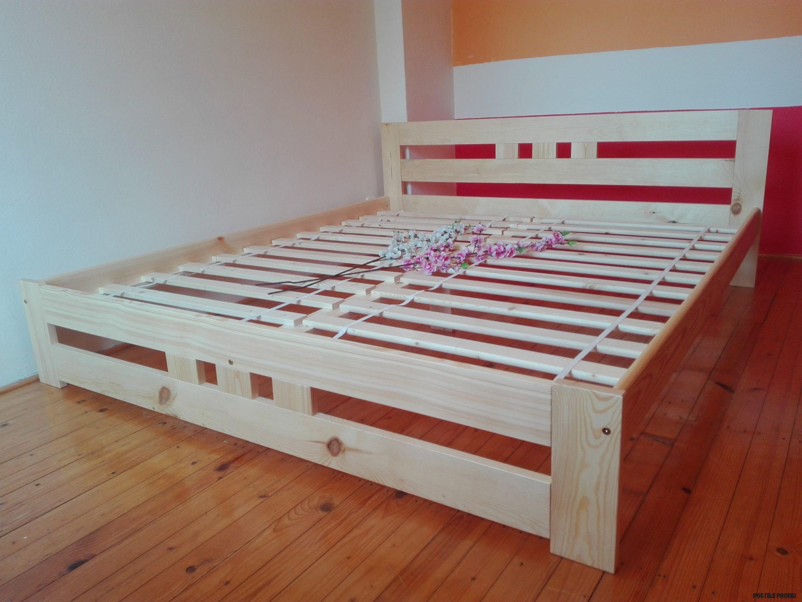SKLADEM Masivní borovicová postel DANA (20 x 20)