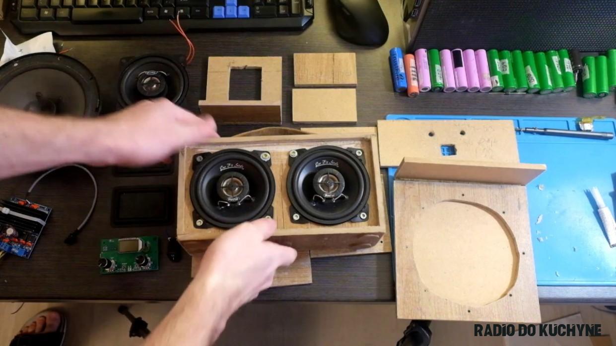DIY jednoduché rádio do kuchyně 19x19W