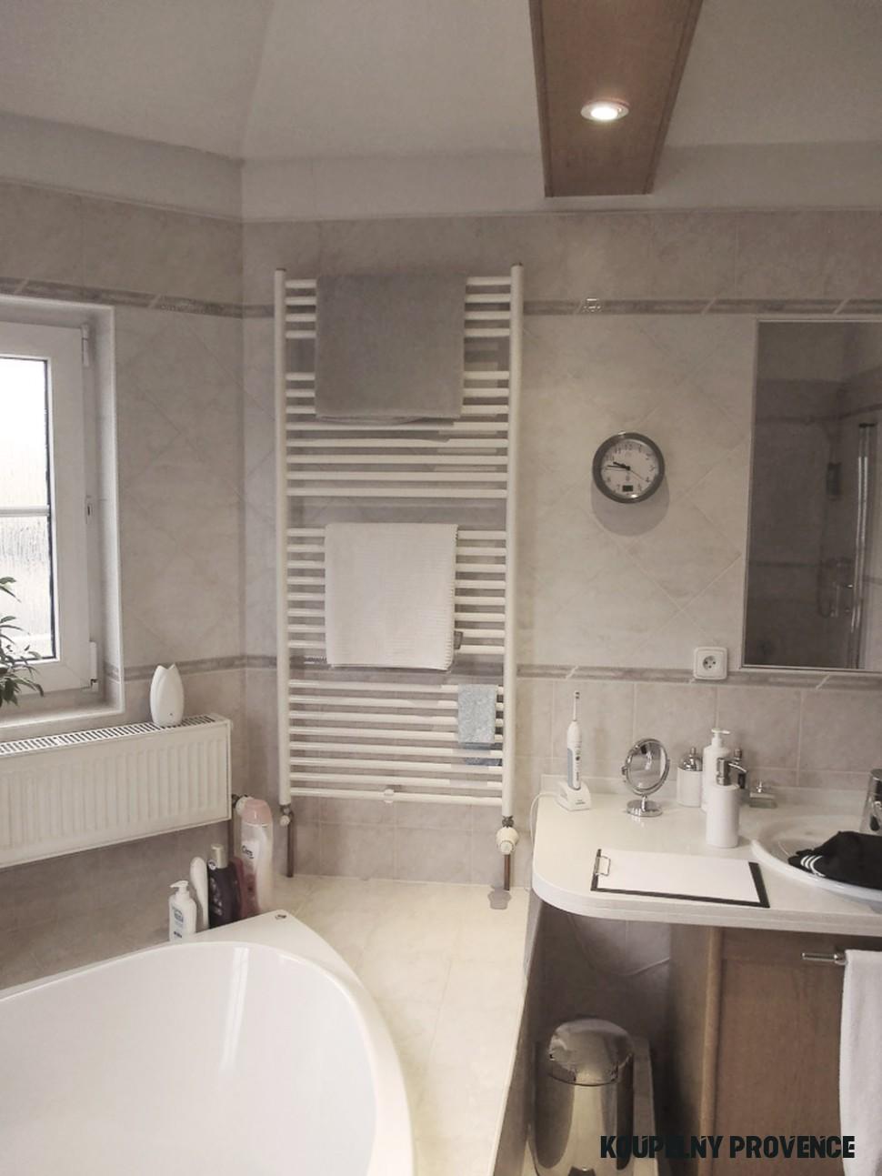Moderní byt  Zařizujeme: koupelna ve stylu Provence