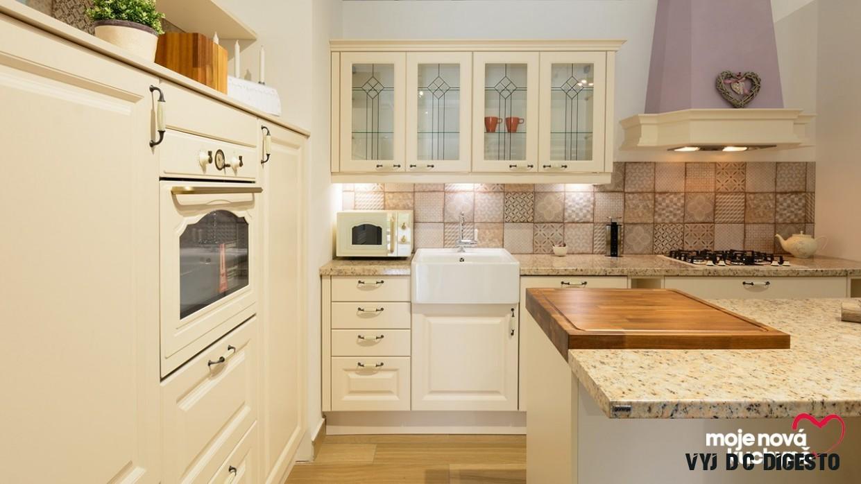 Krása klasického rustiku ve studiové kuchyni