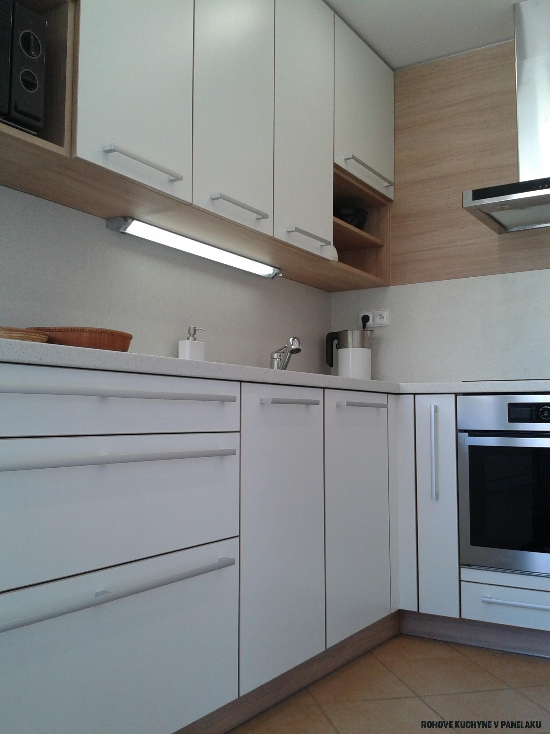 Realizace rohové panelákové kuchyně  Inspirace  Inteka Design Brno