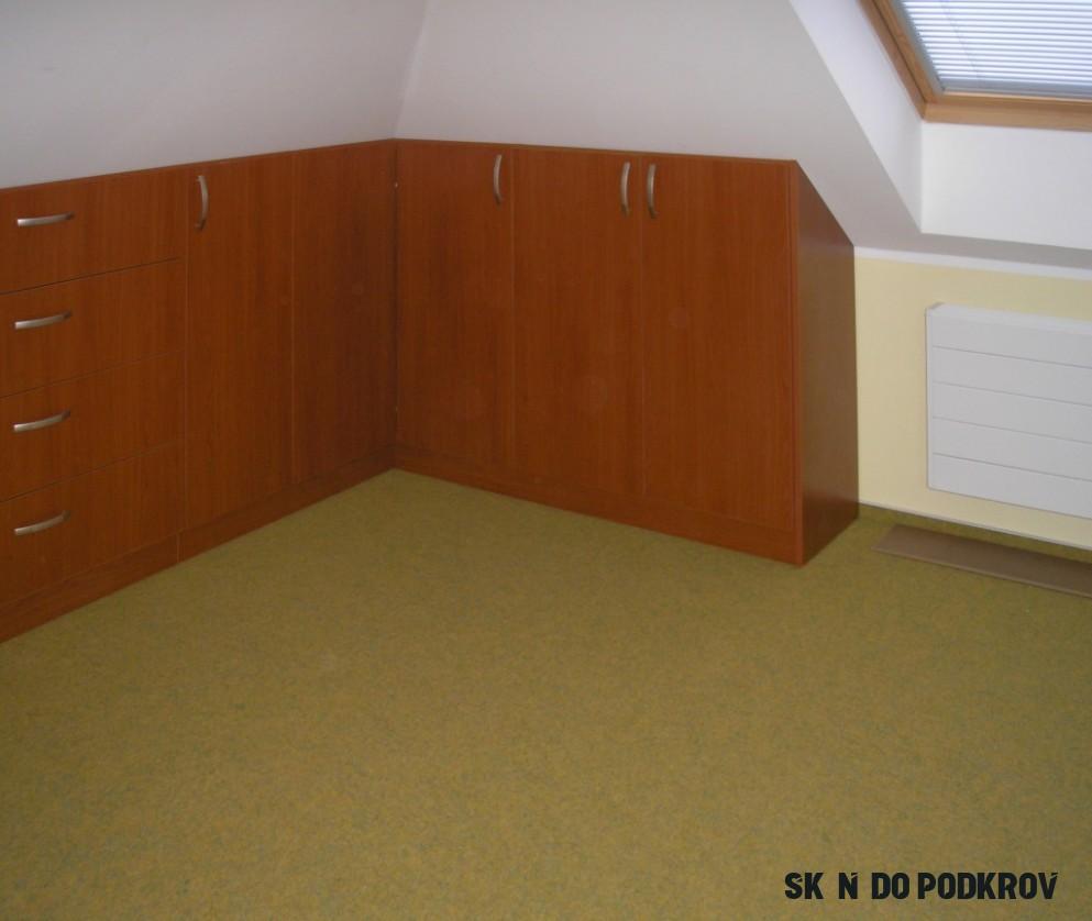 Vestavěné skříně do podkroví  TRUNN