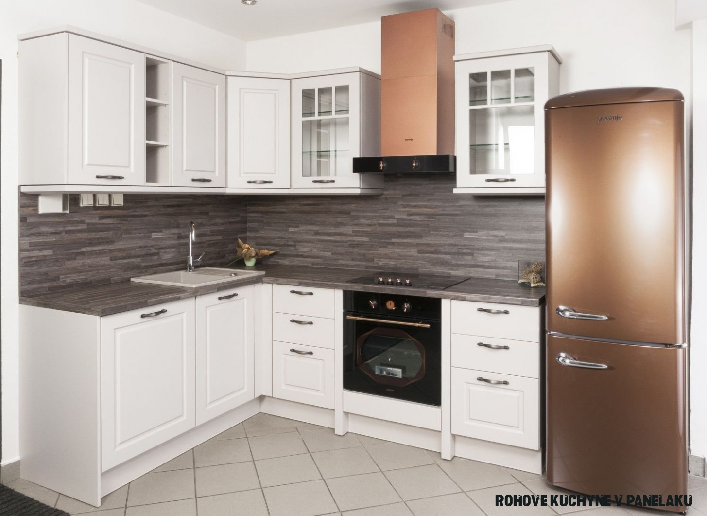 Malé kuchyně (panelákové) - fotogalerie pro vaši inspiraci  Gorenje