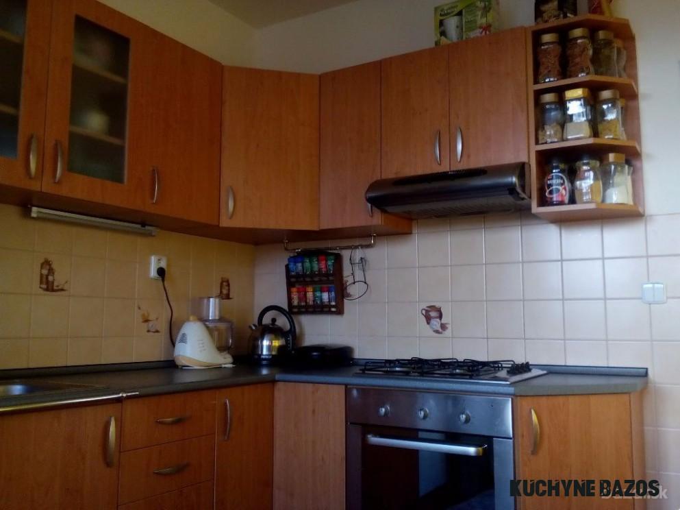 Predám rohovú kuchynskú linku 14 x 14 cm.  Kitchen, Kitchen