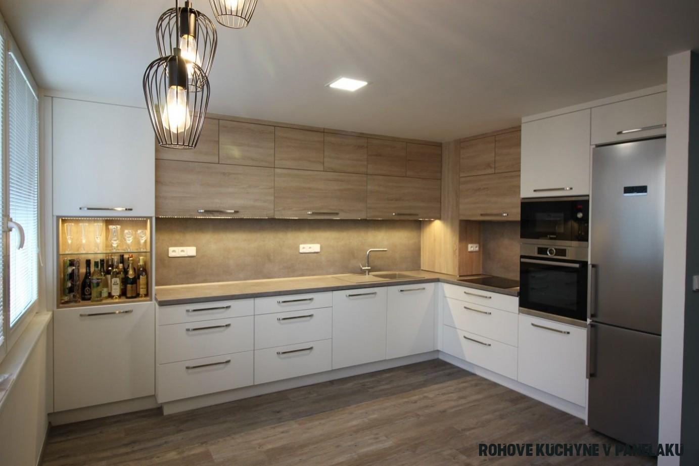 Paneláková kuchyňská linka ke stropu - Nábytek HVH  Modern
