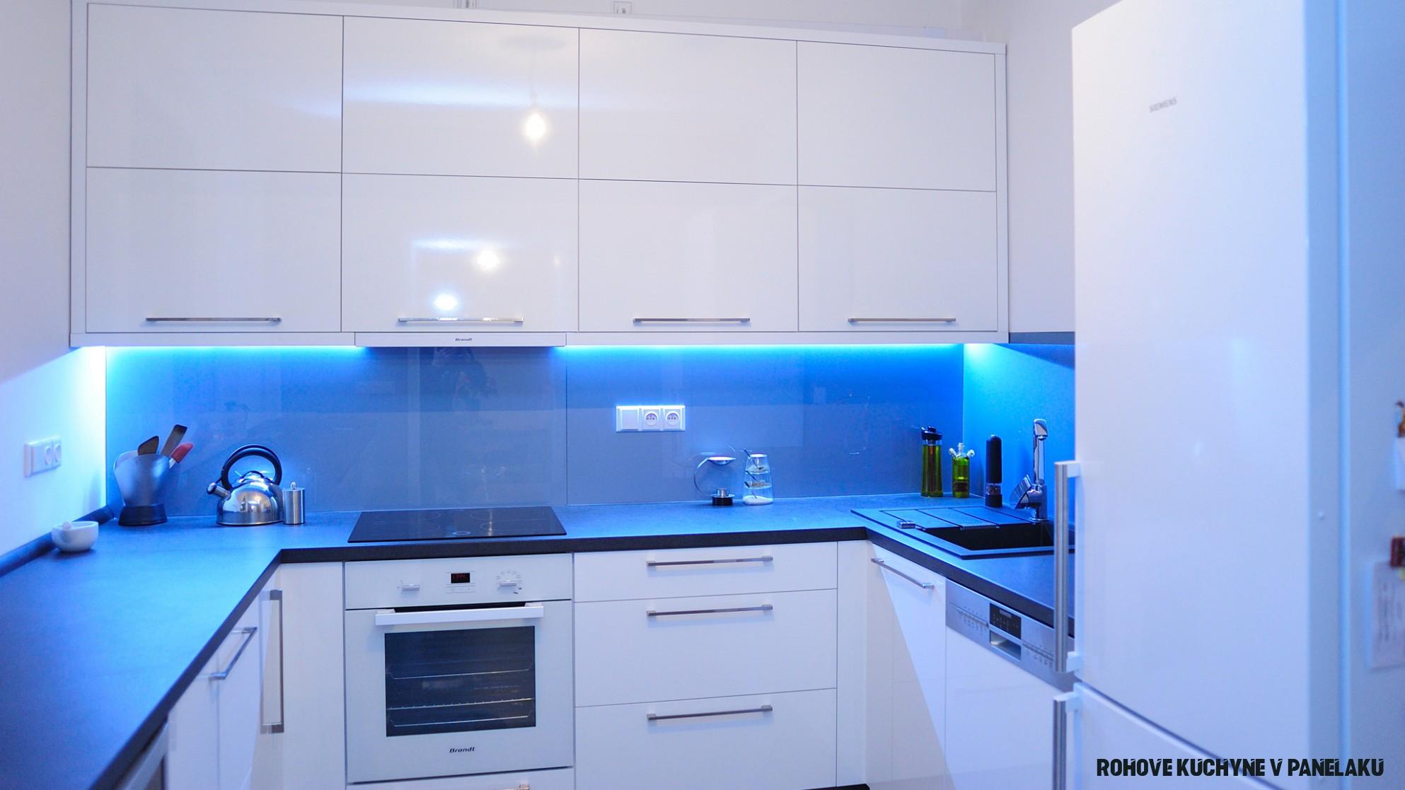 Kuchyně do paneláku – moderní a praktické i v omezeném prostoru!