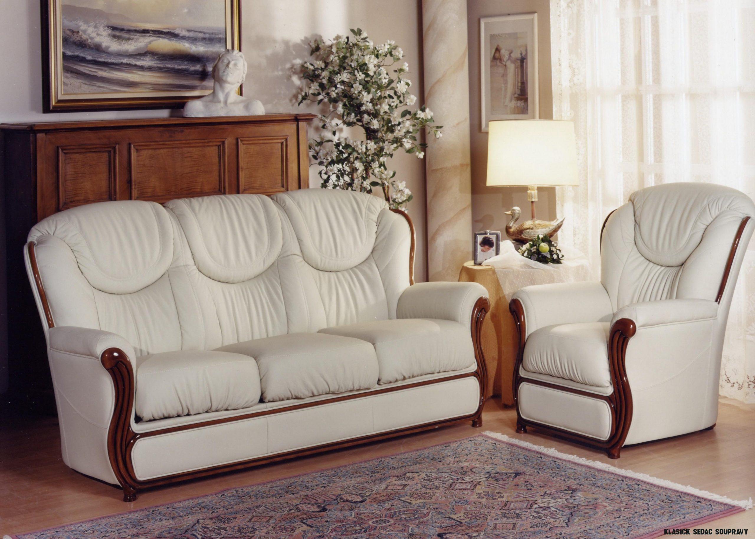Klasická sedací souprava Desir: elegance a střídmost v kůži i v látce