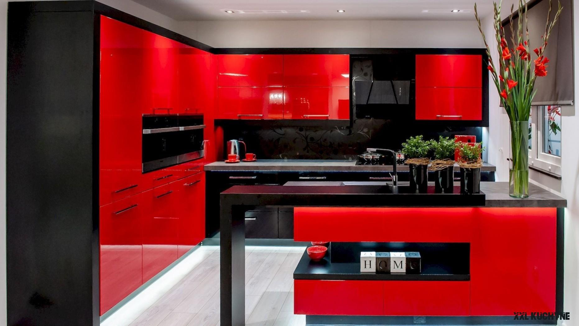 XXL Kuchyně na veletrhu nábytku  Kuchyne na miru – Výrobce kuchyní