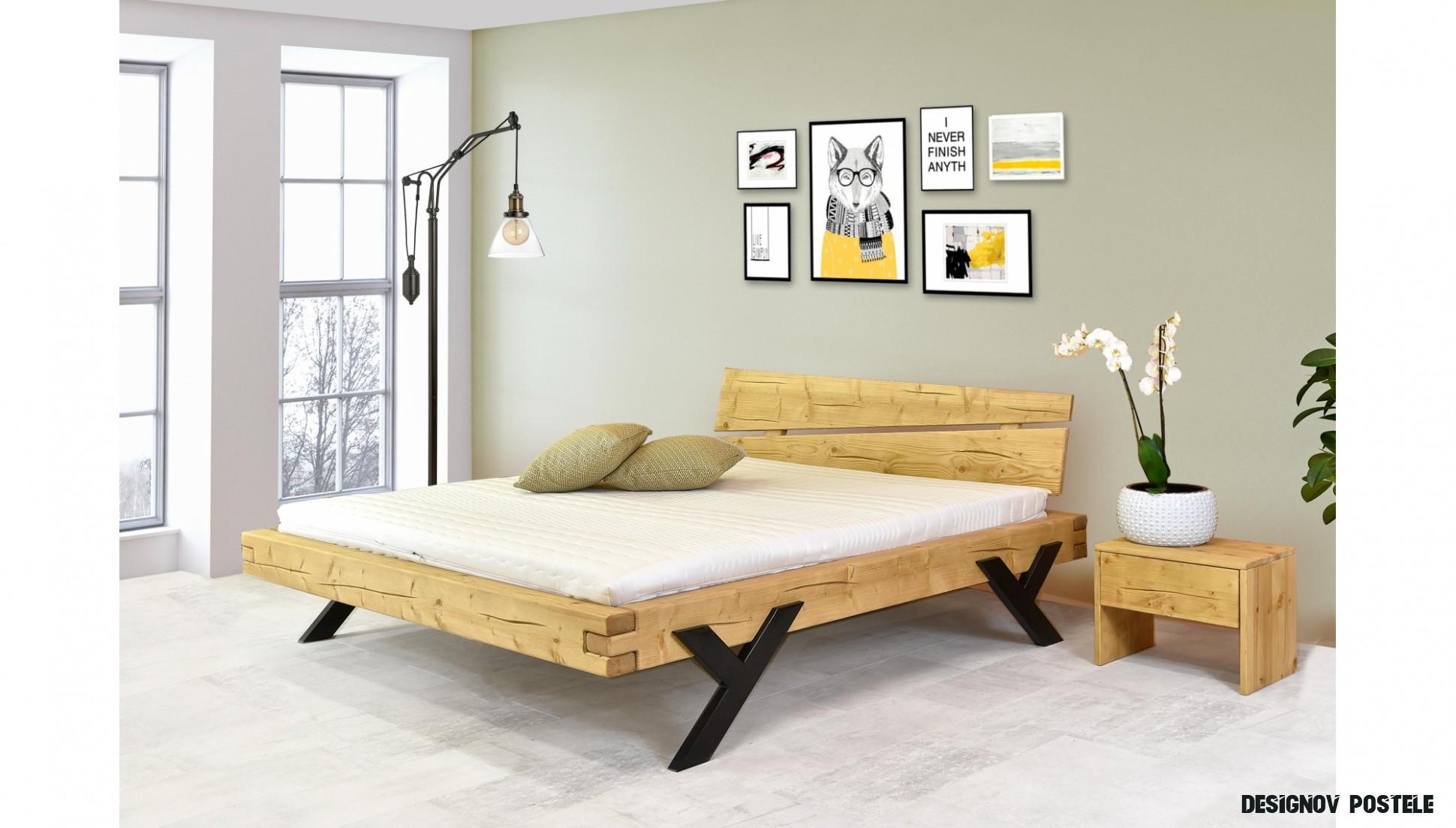 Designová postel z kvalitního masivního dřeva