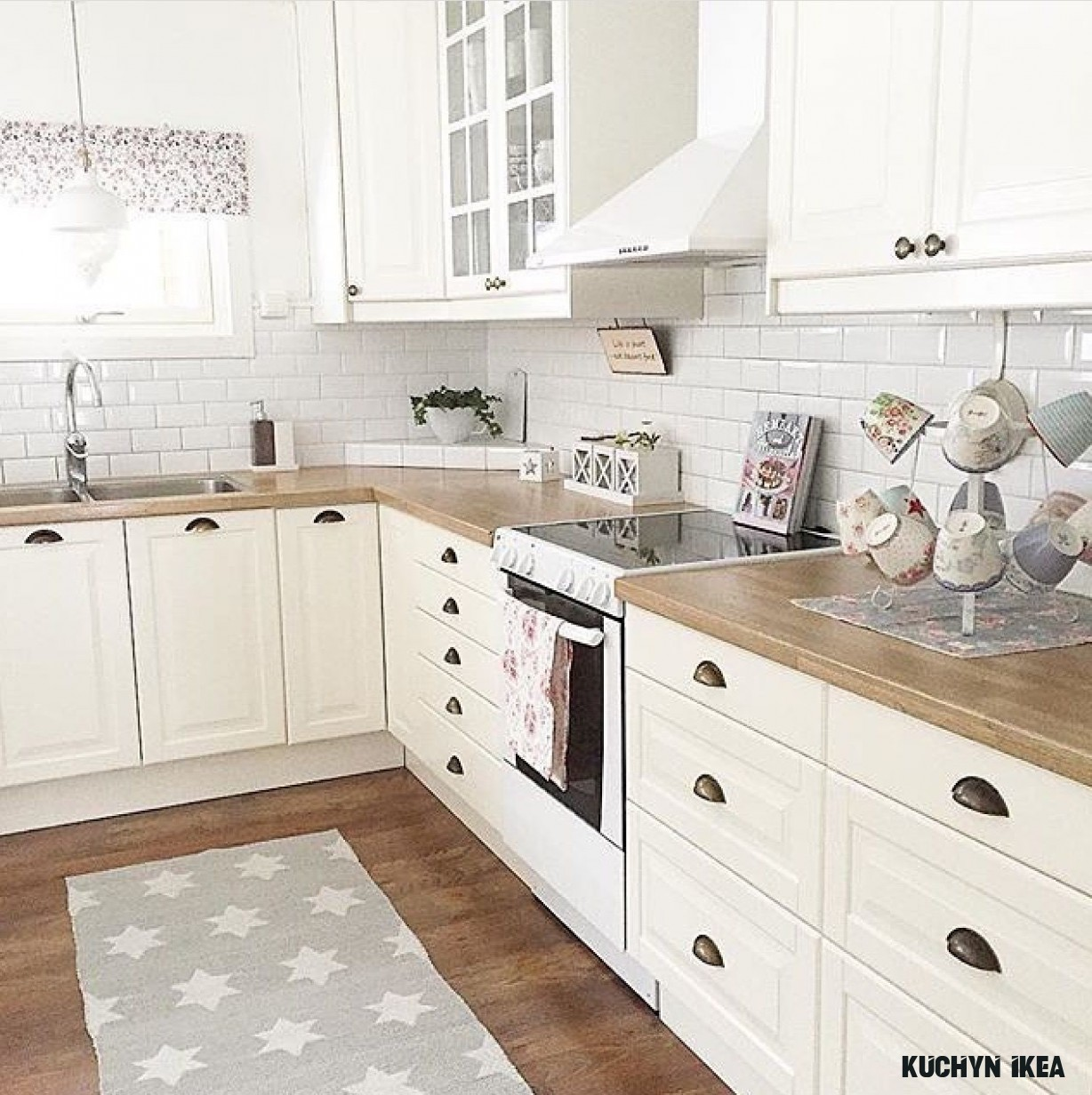 Pin by Veronika on Kennet Mansions <6  Farmhouse kitchen design