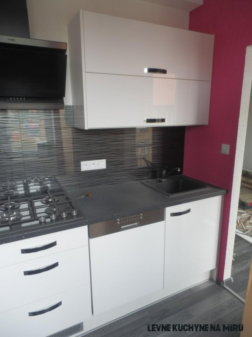 Realizace levné kuchyně v Plzni  Kuchyně na míru  TRACOR CZ