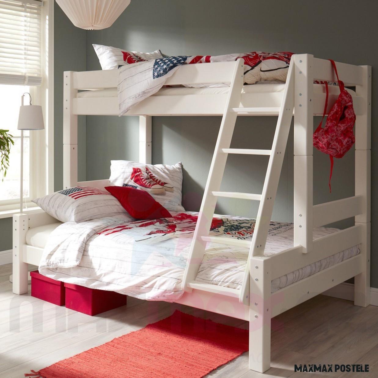 Dětská patrová postel s rozšířeným spodním lůžkem z MASIVU