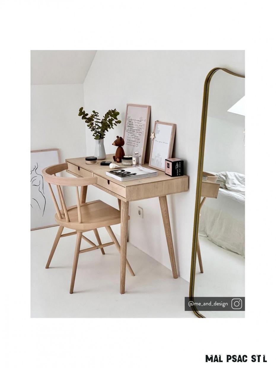 Malý psací stůl z dubu Century