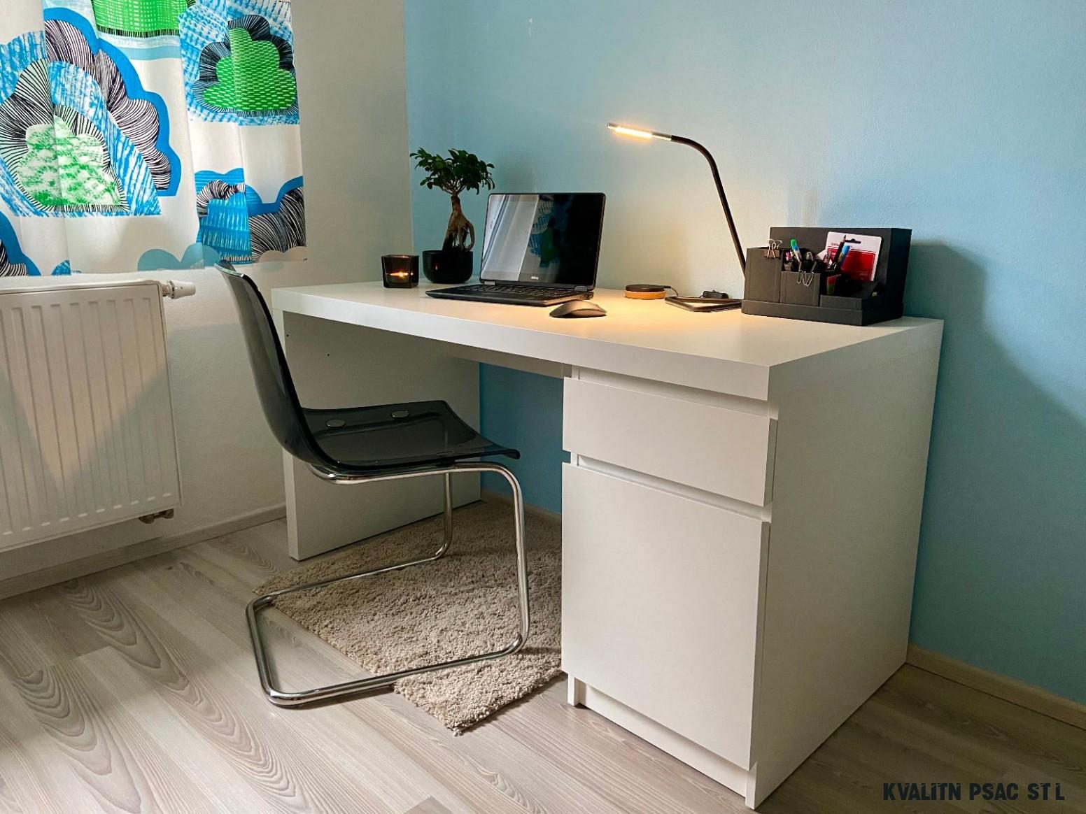 Kvalitní psací stůl IKEA MALM - bílý