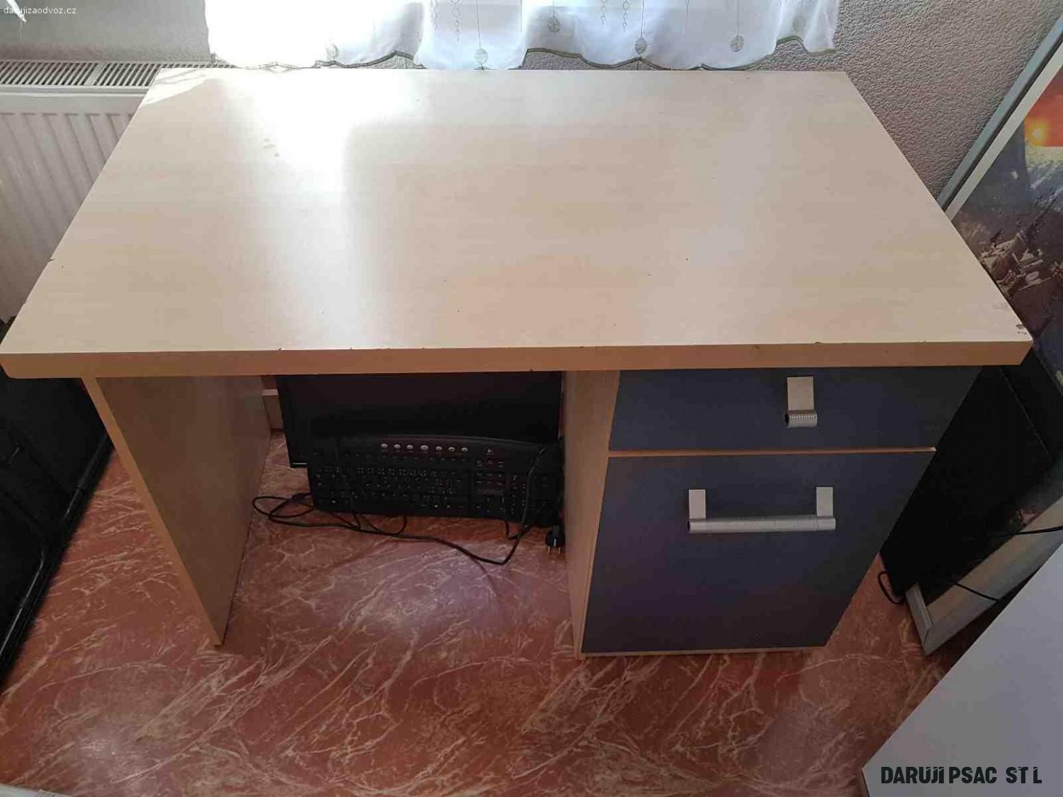 Daruji psací stůl - Nábytek - Daruji za odvoz