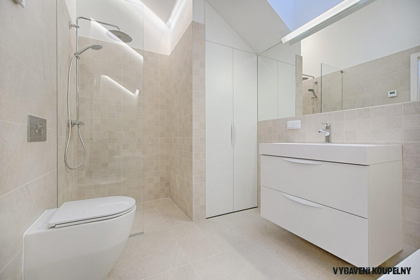 Komfortní sprchování díky kvalitnímu technickému vybavení koupelny