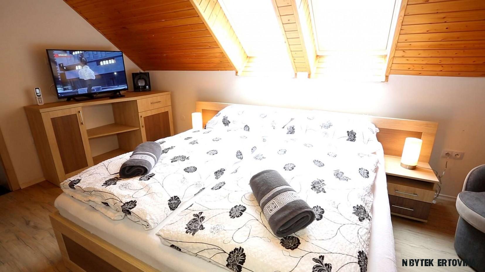 Čertovský pobyt pro 12 osoby s ubytováním v Penzionu U Jidáše s